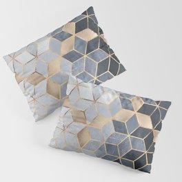 Soft Blue Gradient Cubes Kissenbezug