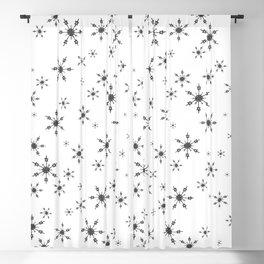 Crochet Impressions: SNOWFLAKE[s] Blackout Curtain