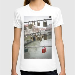 Love padlocks T-shirt