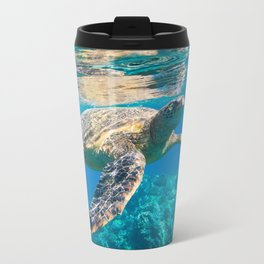 Large Sea Turtle, Marine Turtle, Chelonioidea, reptile animal swimming in clear and clean water Metal Travel Mug