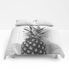 Black and white pineapple Comforters