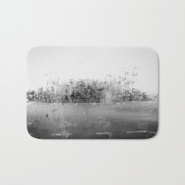 A través del cristal (black and white version) Bath Mat