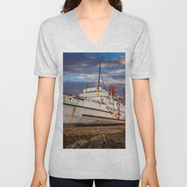 Duke of Lancaster Sunset Unisex V-Neck