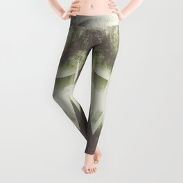 When mountains fall asleep Leggings