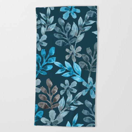 Leaf pattern III Beach Towel
