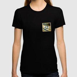 Israel grunge sticker flag T-shirt