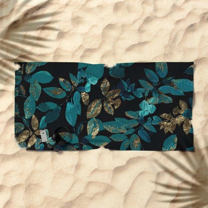 Seamless Blossom Pattern Beach Towel