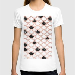 Girly rose gold black white marble mermaid scallop pattern T-shirt