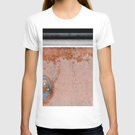 Antique Rusted Car Called Commander T-shirt