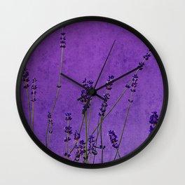 lavande danse Wall Clock