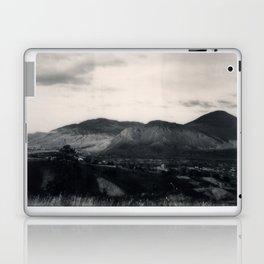 Kamloops Spectra B&W Laptop & iPad Skin