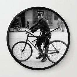 Vintage Bike Messenger - Alabama - 1914 Wall Clock