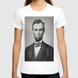 Portrait of Abraham Lincoln by Alexander Gardner T-shirt