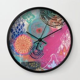 Beautiful Expansion Wall Clock
