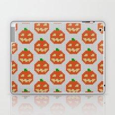 Knitted halloween pumpkin pattern Laptop & iPad Skin
