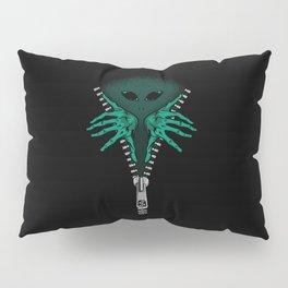 Alien inside Pillow Sham
