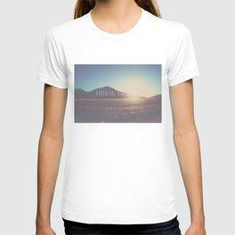 adventure awaits you ... T-shirt