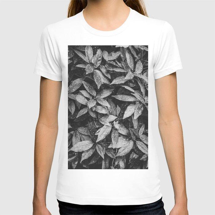 B&W botanical leaves | Nature photography series I. T-shirt