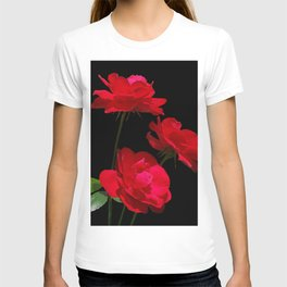 Red roses on black background T-shirt