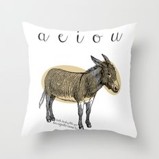 A  e  i  o  u    borriquito como tú Throw Pillow