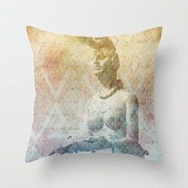 Ixchel, diosa maya  Throw Pillow