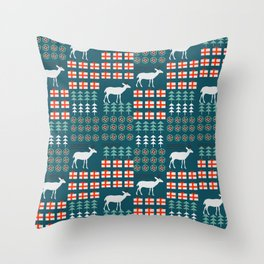Cheerful Christmas pattern with deer Throw Pillow