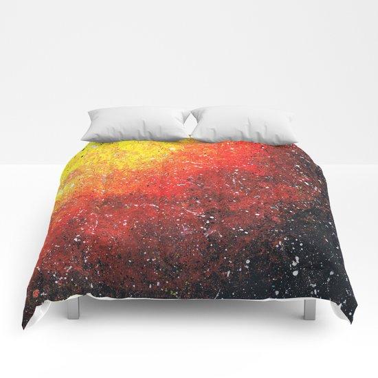 solar storm Comforters