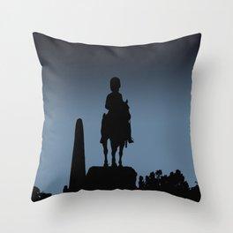 Edinburgh silhouette Throw Pillow
