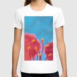 Flower stamens red blue T-shirt