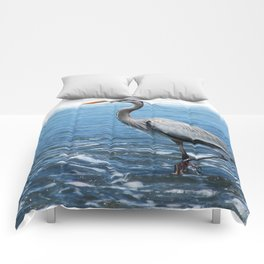 Great Blue Heron on the Pacific Coast in Costa Rica Comforters