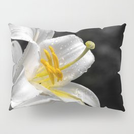 Lily flower covered by raindrops Pillow Sham