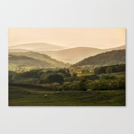 Sunny afternoon in Lake District Canvas Print