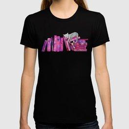 FanGirl Bookshelf T-shirt
