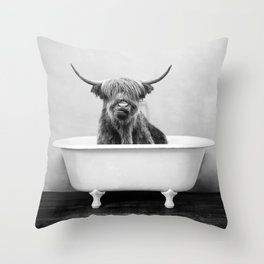 Highland Cow in a Vintage Bathtub (bw) Throw Pillow