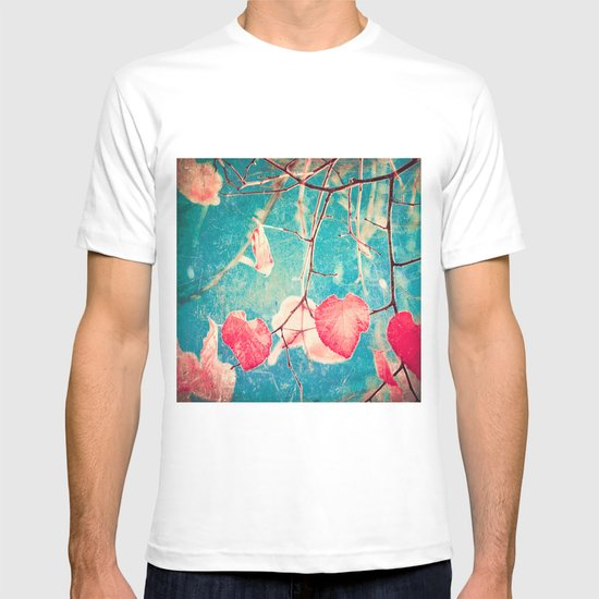 Autumn Hea(u)rts - Textured photography, pinks leafs in blue sky  T-shirt