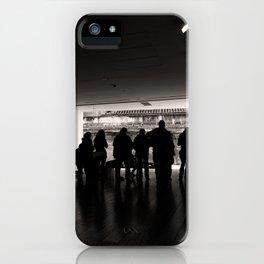 Los observadores iPhone Case