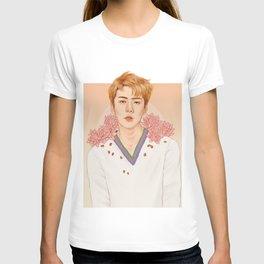 lotus [sehun exo] T-shirt