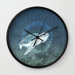 Green Sea Turtle Wreath Wall Clock