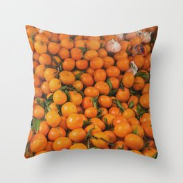 clémentine feuille Throw Pillow