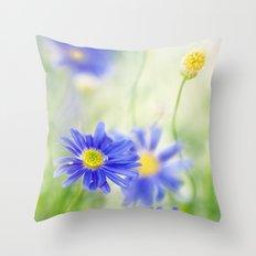 Daisy dear Throw Pillow