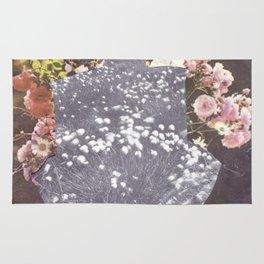 dead flowers Rug