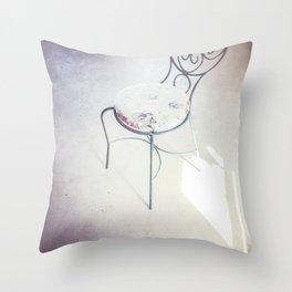 love chair Throw Pillow
