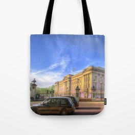Buckingham Palace And london Taxis Tote Bag