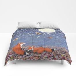 moonlit foxes Comforters