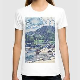 Golden Retriever. Mountain Lake Trail T-shirt