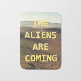 the aliens are coming Bath Mat