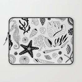 Tropical underwater creatures and seaweeds Laptop Sleeve