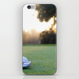 putting for par iPhone Skin