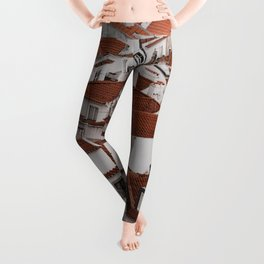 WHITE AND BROWN CONCRETE HOUSES Leggings
