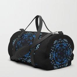 """Hakakā a hohonu"" (lucha profunda en invierno) Duffle Bag"